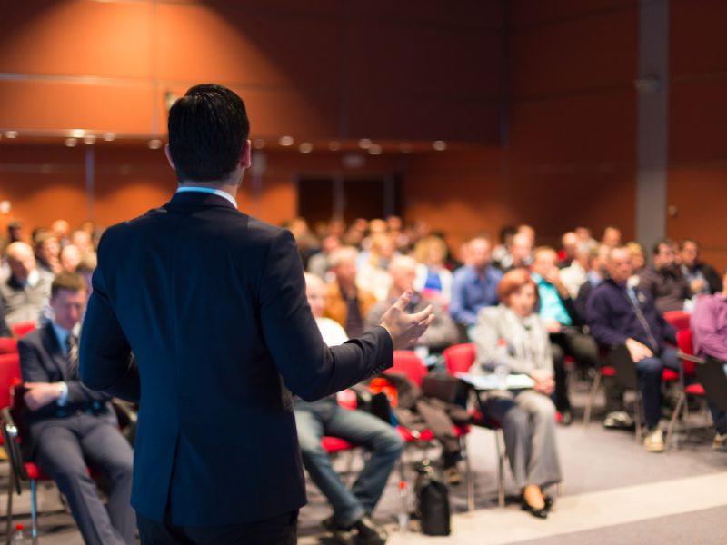 Những ưu điểm và nhược điểm của phương pháp seminar là gì?